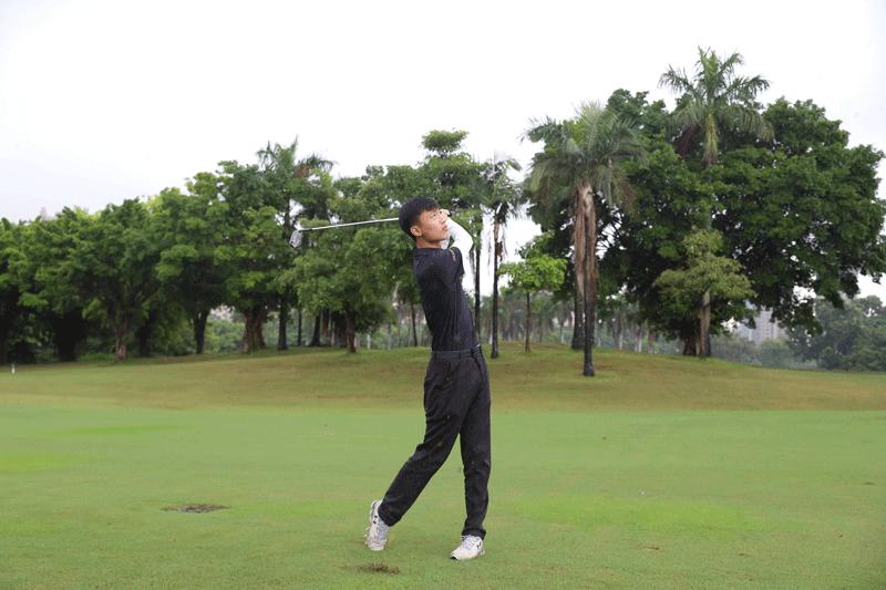 高尔夫教练教你选择合适的挥杆训练器具