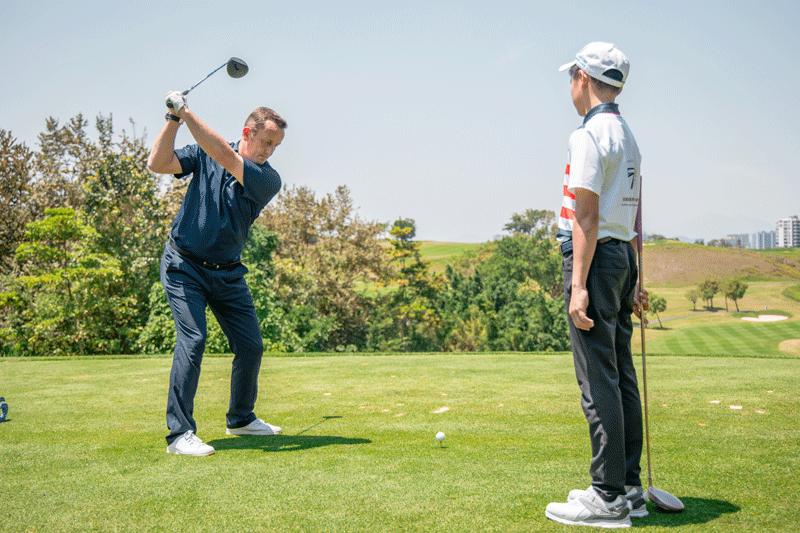 【巡回赛】PGA职业球员的握杆正确动作